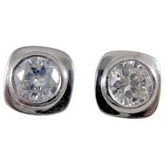 Contemporary Diamond Stud Earrings, 0.85 Carat, Platinum
