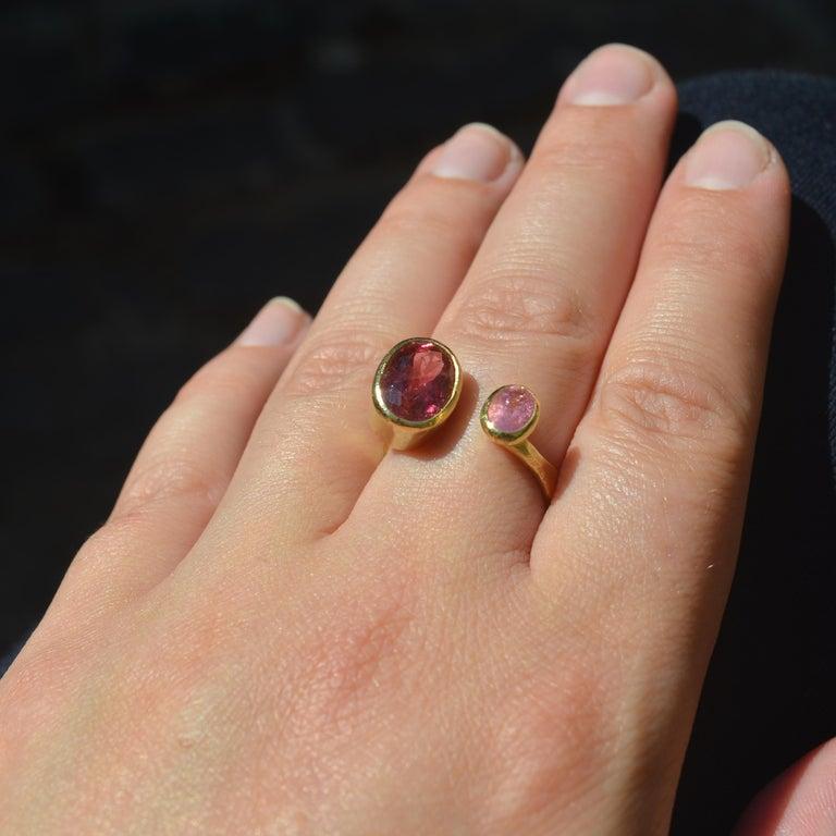 Women's Contemporary Double Pink Tourmaline 18 Karat Gold Handmade Ring by Disa Allsopp For Sale