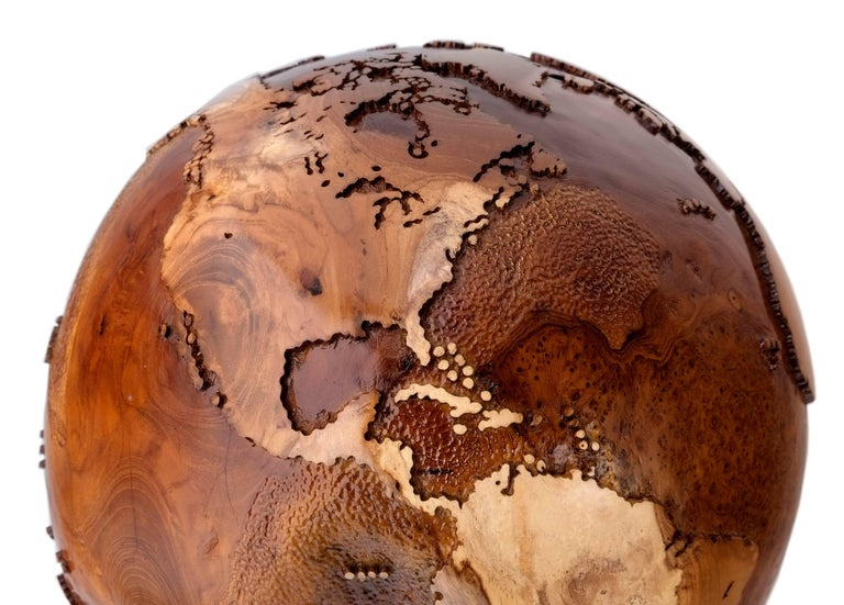 Balinese Contemporary Eclat Vibe Globe in Natural Burl and Hammered Skin Textured, 30cm For Sale