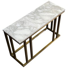 Contemporary Elio Side Table in Arabescato Marble and Antique Brass Finish