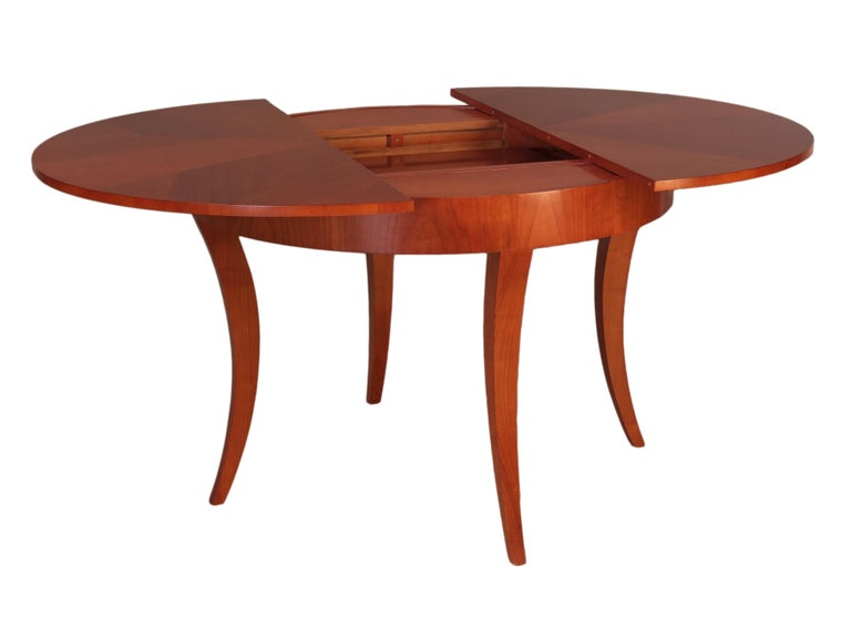 Contemporary Extendable Table in Biedermeier Style Made of Cherrywood In New Condition For Sale In Salizzole, IT