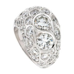Contemporary F-VVS Round Cut Diamond and White Gold Cocktail Ring