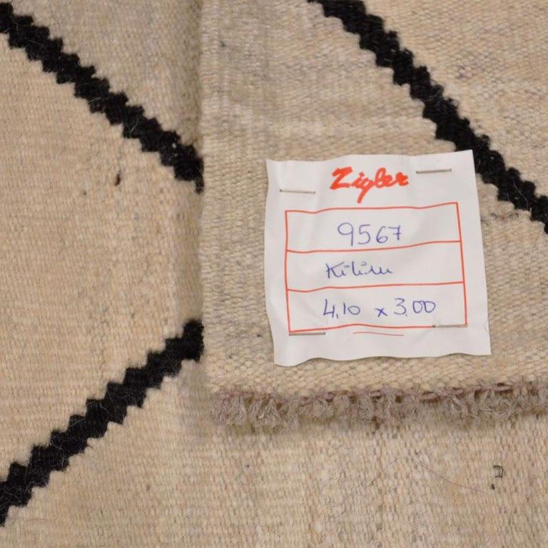 Contemporary Flat-Wave Wool Kilim Beige and Black Color For Sale 11