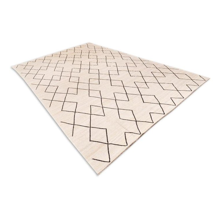 Contemporary Flat-Wave Wool Kilim Beige and Black Color In New Condition For Sale In MADRID, ES