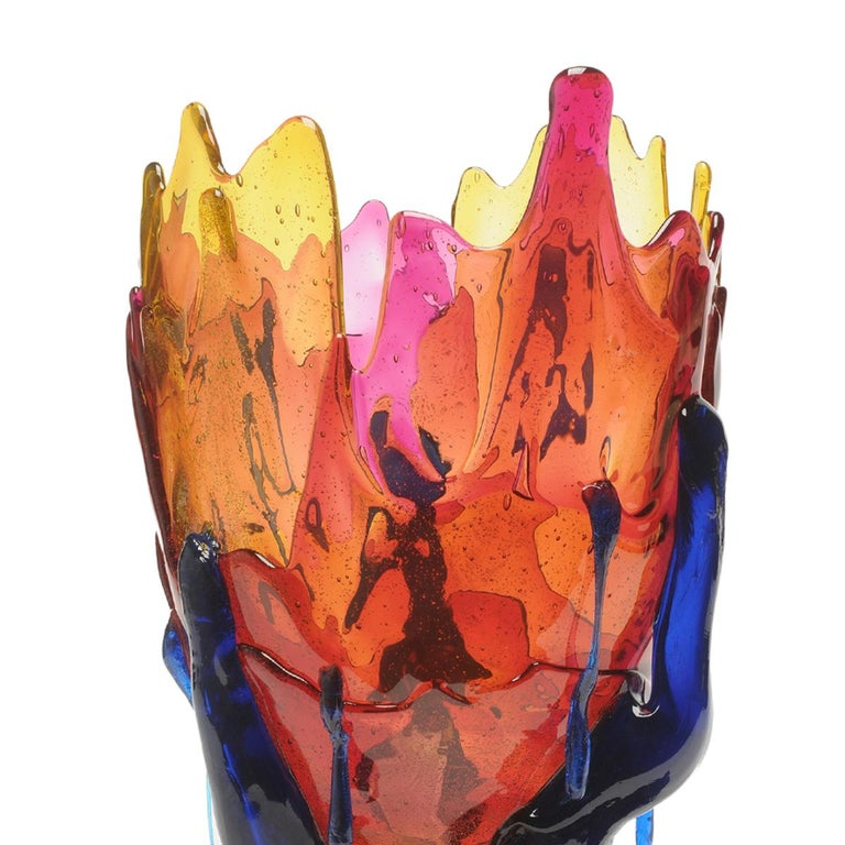 Clear special extra color vase, clear amber, fuchsia and blue  Vase in soft resin designed by Gaetano Pesce in 1995 for Fish Design collection.  Measures: L Ø 22cm x H 36cm  Colour: Clear amber, fuchsia and blue  Other sizes available Vase