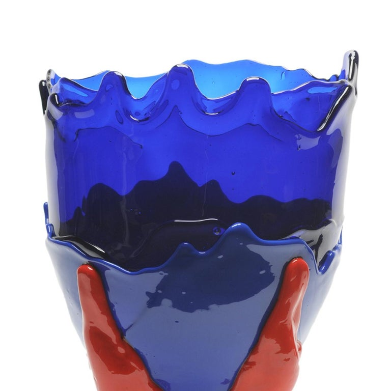 Clear extra colour vase - clearblue Klein, matt blue, matt red.  Vase in soft resin designed by Gaetano Pesce in 1995 for Fish Design collection.  Measures: XL -Ø 30cm x H 56cm Other sizes available. Vase in soft resin designed by Gaetano