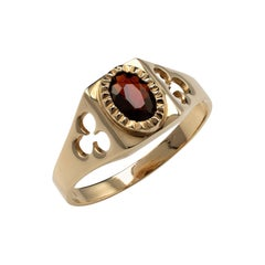 Contemporary Garnet Solitaire Ring Yellow Gold with Shamrock Cut Shoulders