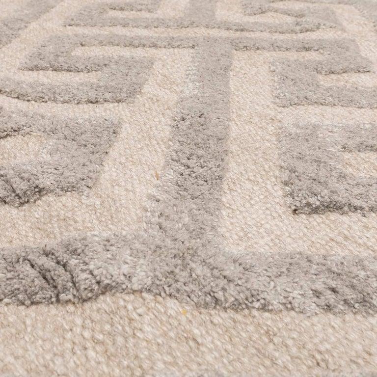 Contemporary Geometric Handmade Gray Silk and Wool Rug For Sale 6