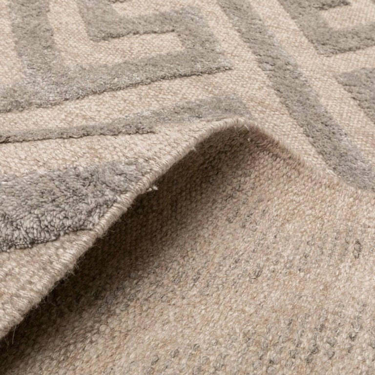 Contemporary Geometric Handmade Gray Silk and Wool Rug For Sale 8