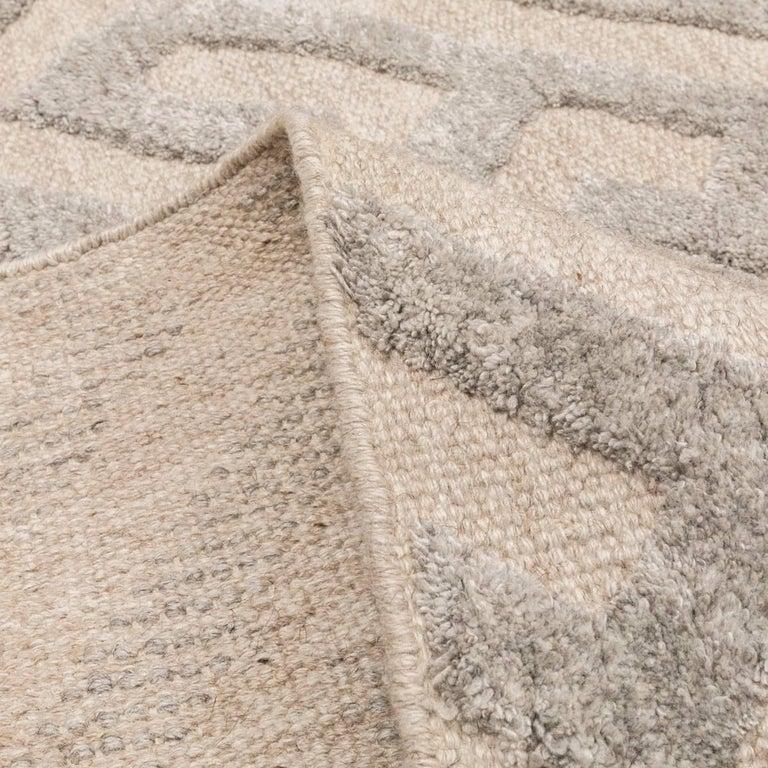 Contemporary Geometric Handmade Gray Silk and Wool Rug For Sale 9