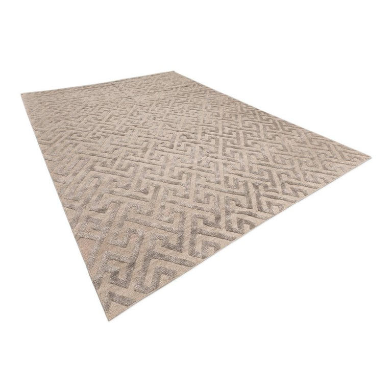 Contemporary Geometric Handmade Gray Silk and Wool Rug In Excellent Condition For Sale In MADRID, ES