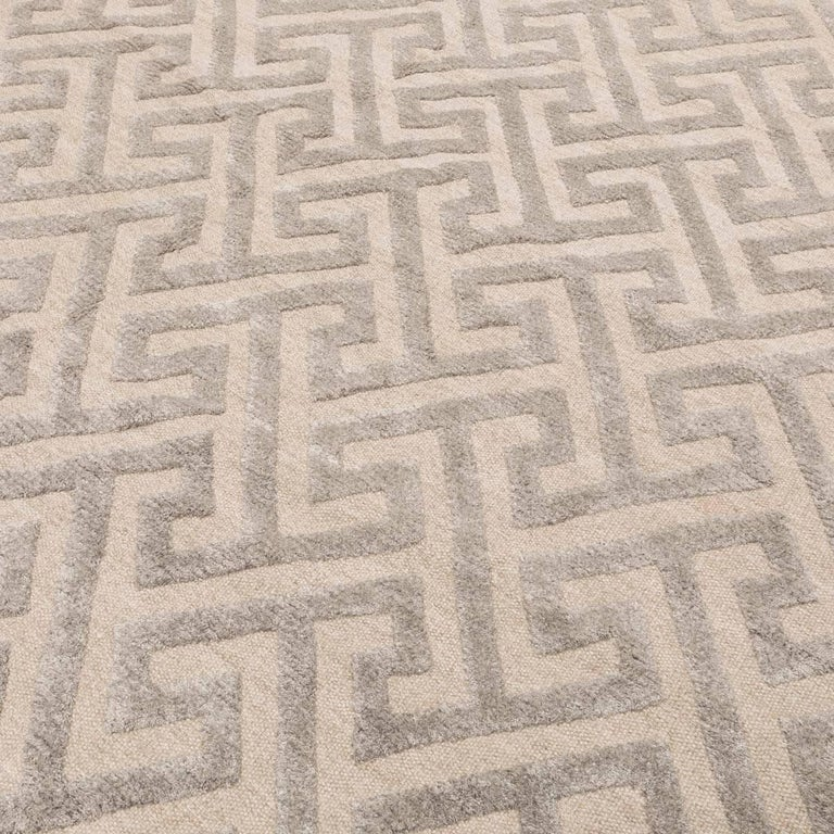 Contemporary Geometric Handmade Gray Silk and Wool Rug For Sale 2