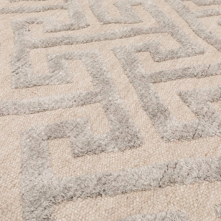 Contemporary Geometric Handmade Gray Silk and Wool Rug For Sale 5