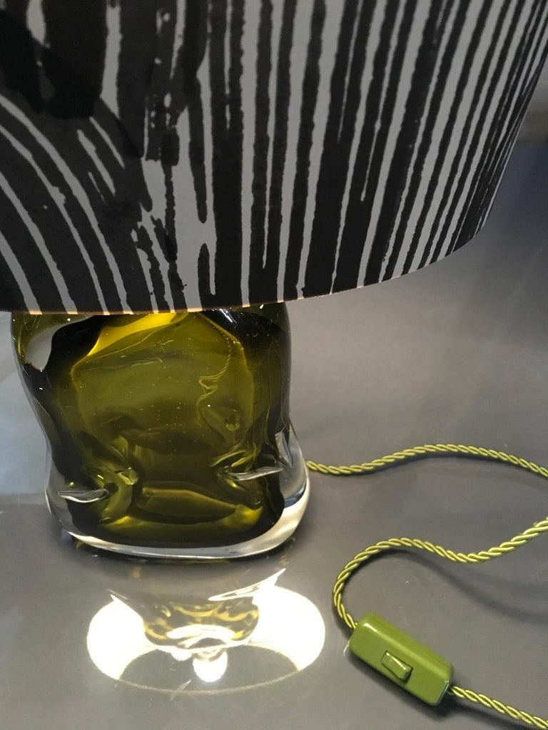 Hand-Crafted Contemporary Green Blown Glass Table Lamp with Paper Black White Lampshade For Sale