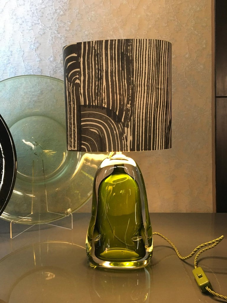 Contemporary Green Blown Glass Table Lamp with Silk Lampshade For Sale 5
