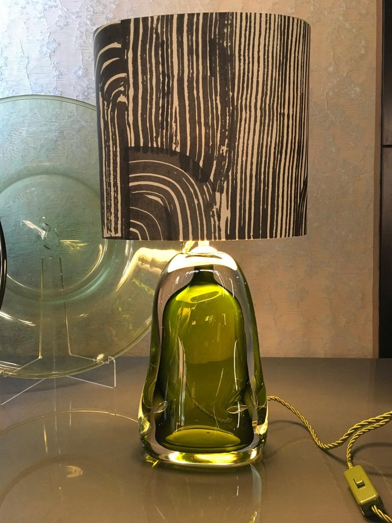 Contemporary Green Blown Glass Table Lamp with Silk Lampshade For Sale 7