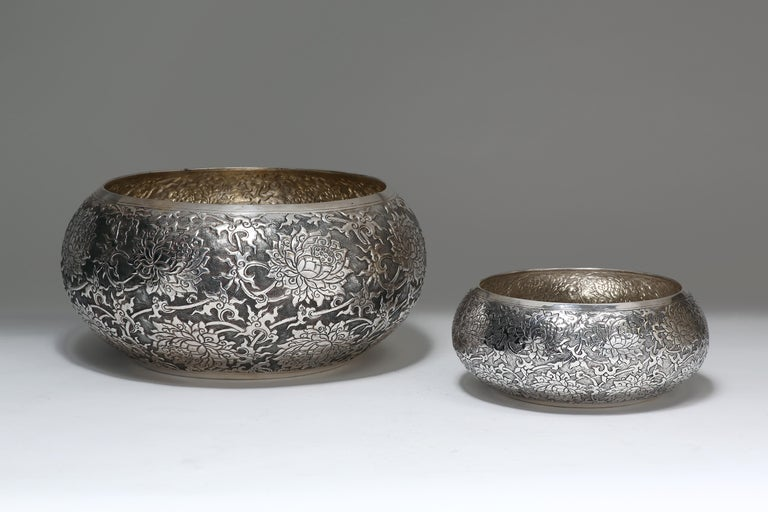 Contemporary Hand-Worked Solid Silver Bowl, Lotus Motif, Centerpiece In New Condition For Sale In 10 Chater Road, HK