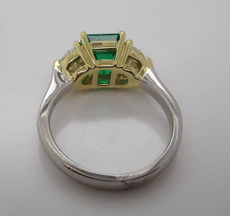 Contemporary Handmade 18K Yellow Gold Platinum Emerald Diamond Three-Stone Ring For Sale 5