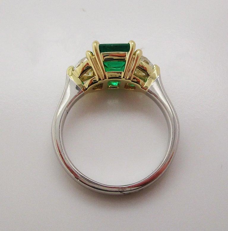 Contemporary Handmade 18K Yellow Gold Platinum Emerald Diamond Three-Stone Ring For Sale 7
