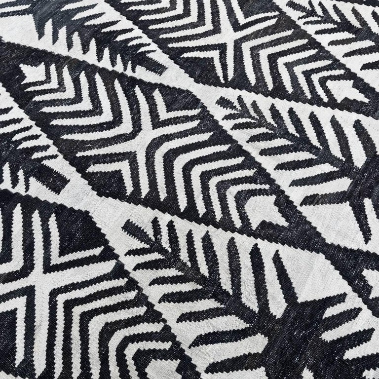 Afghan Contemporary Handmade Flat-Weave Black and White African Collection Rug For Sale