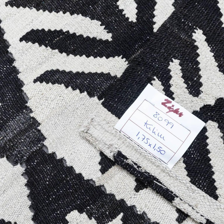 Wool Contemporary Handmade Flat-Weave Black and White African Collection Rug For Sale