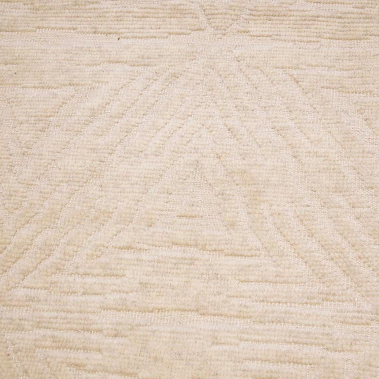 Contemporary Handmade Geometric Silk and Wool Indian Rug For Sale 2