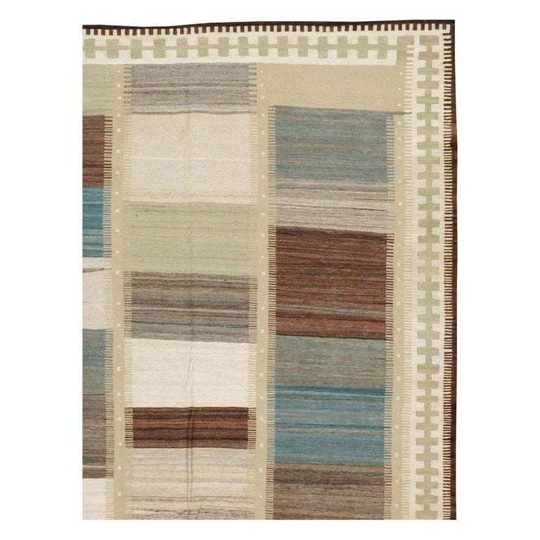 Hand-Woven Contemporary Handmade Persian Room Size Flat-Weave Rug For Sale