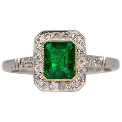 Zeitgenössischer Handgefertigter Platin Diamant und Smaragd Ring