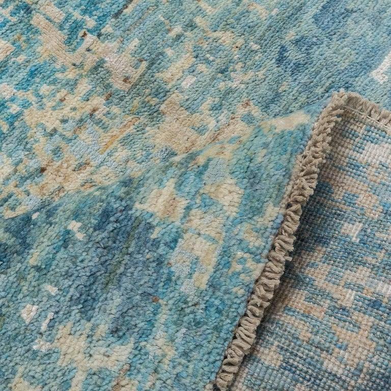 Contemporary Handmade Rug in Silk and Wool Blues Shades For Sale 1