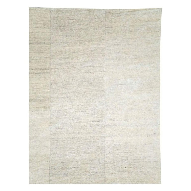 Mid-Century Modern Contemporary Handmade Turkish Room Size Light Beige Flat-Weave Rug For Sale