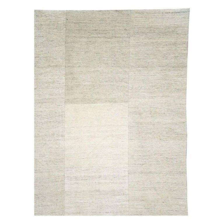 Hand-Knotted Contemporary Handmade Turkish Room Size Light Beige Flat-Weave Rug For Sale