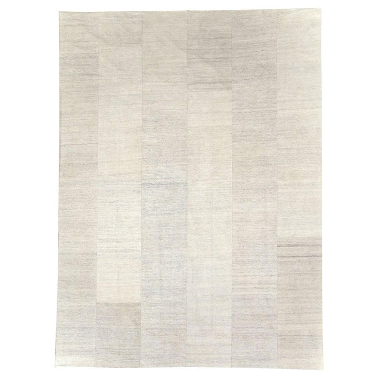 Contemporary Handmade Turkish Room Size Light Beige Flat-Weave Rug For Sale