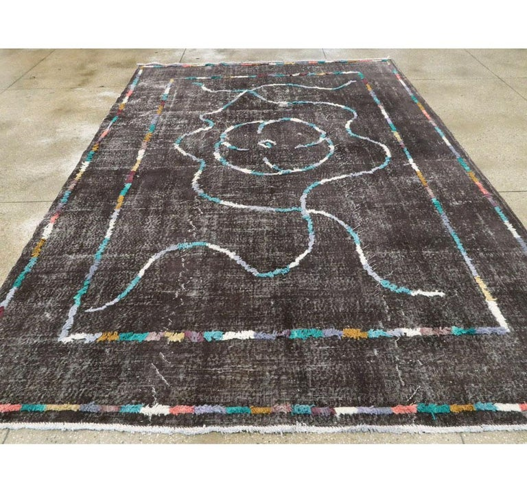 Contemporary Handmade Turkish Folk Rug with a Distressed Appeal in Charcoal In New Condition For Sale In New York, NY