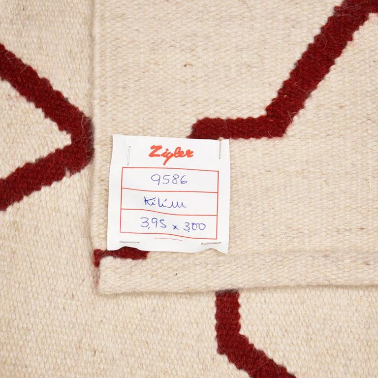 Contemporary Handmade Wool Kilim White and Red Rug For Sale 11