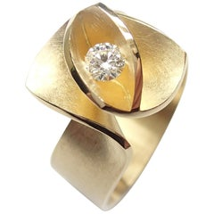 Contemporary Iris Diamond Ring