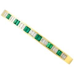 Contemporary Italian 1.35 Carat Emerald 2.31 Carat Diamond Gold Bangle