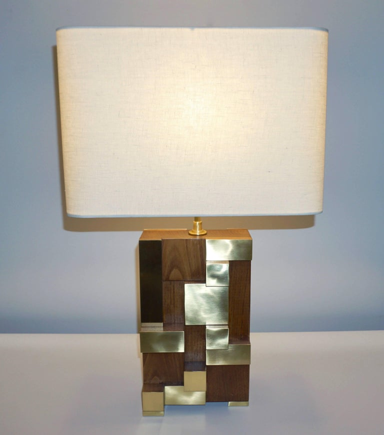 Contemporary Italian Architectural Pair of Stepped Wood and Brass Urban Lamps In Excellent Condition For Sale In New York, NY