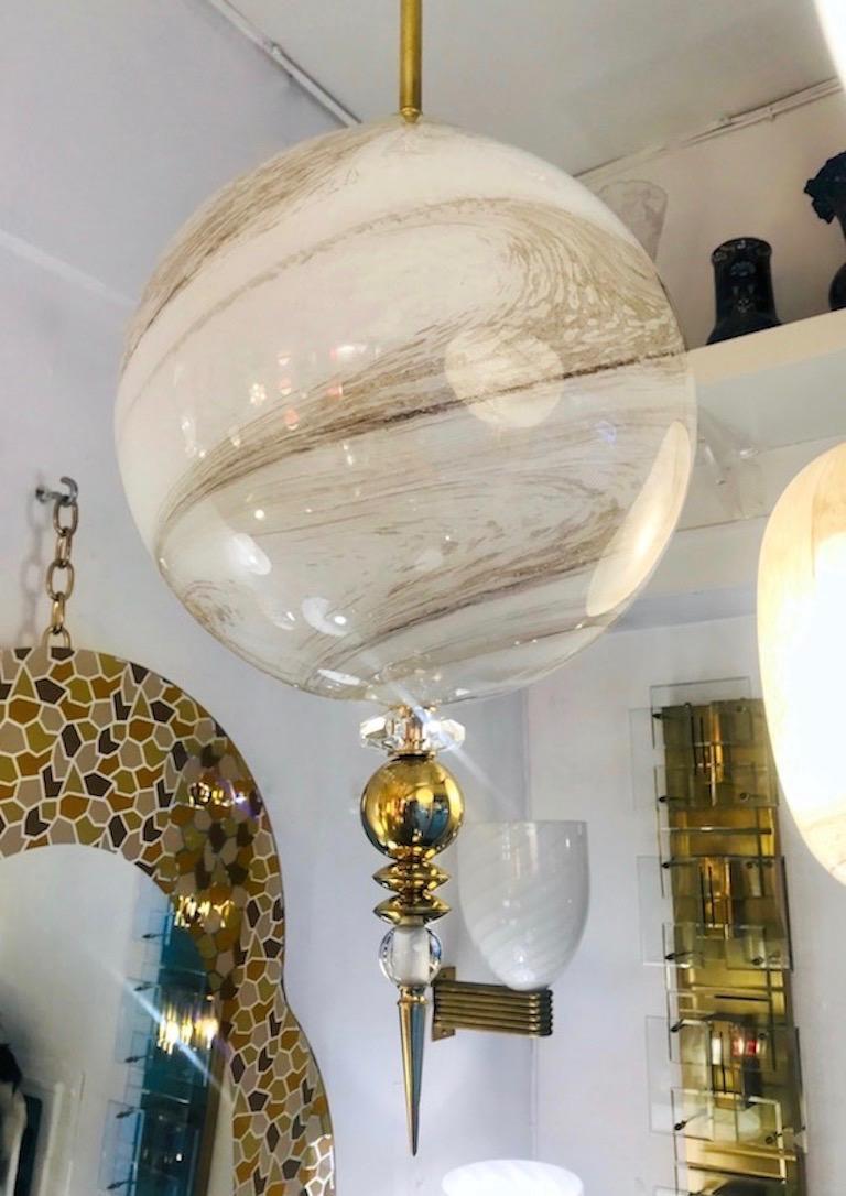 Contemporary Italian Brass and Cream White Alabaster Glass Round Pendant Light For Sale 1