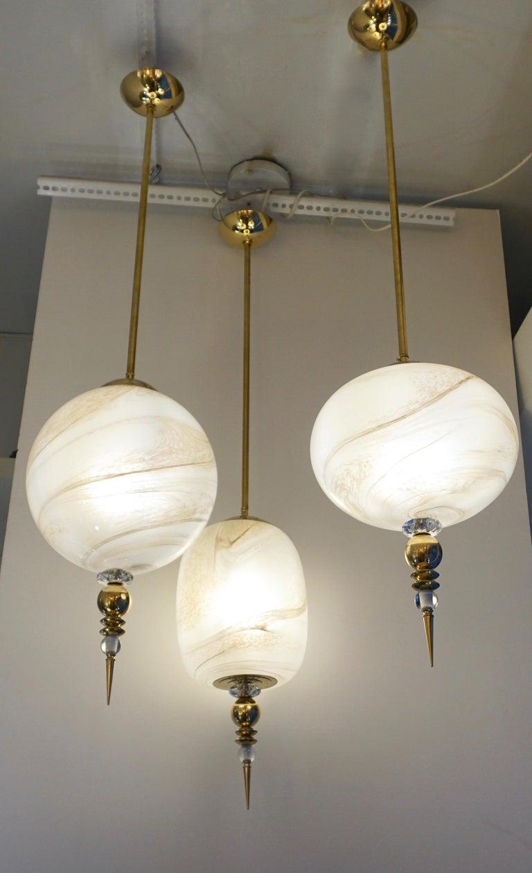 Contemporary Italian Brass and Cream White Alabaster Glass Round Pendant Light For Sale 3