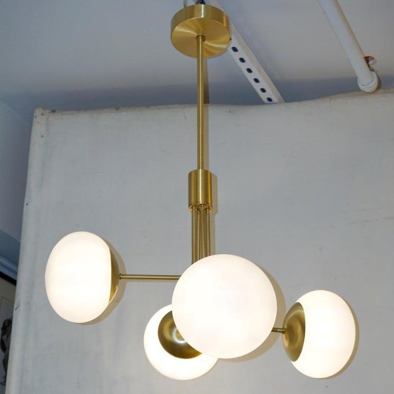 Contemporary Italian Modern Satin Brass & 4 White Murano Glass Globe Chandelier For Sale 6