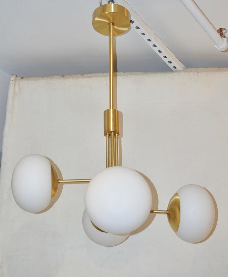 Contemporary Italian Modern Satin Brass & 4 White Murano Glass Globe Chandelier For Sale 7