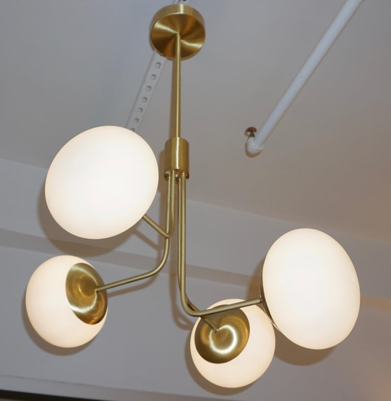 Hand-Crafted Contemporary Italian Modern Satin Brass & 4 White Murano Glass Globe Chandelier For Sale