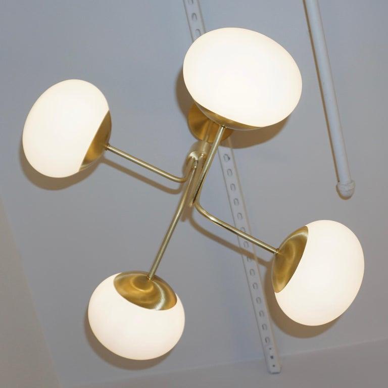 Contemporary Italian Modern Satin Brass & 4 White Murano Glass Globe Chandelier For Sale 1