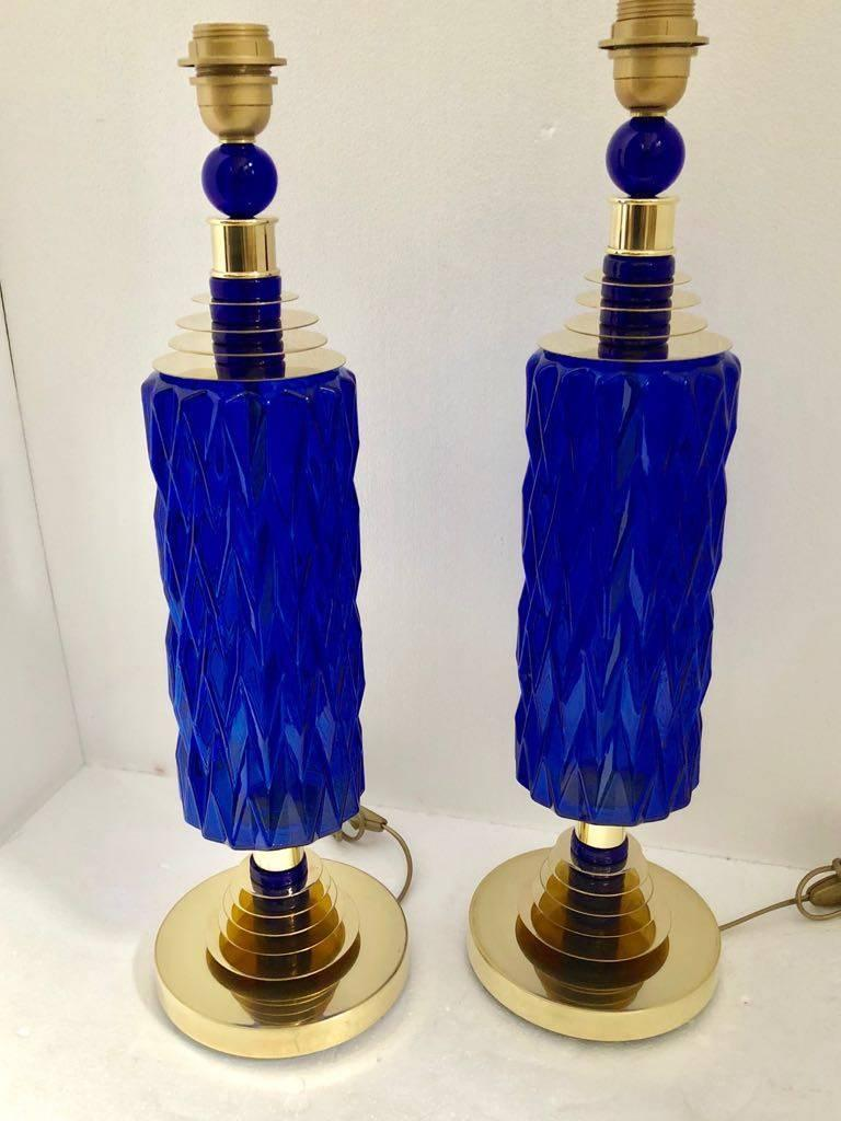 Contemporary Italian Pair of Brass and Cobalt Blue Murano Glass Table Lamps For Sale 7