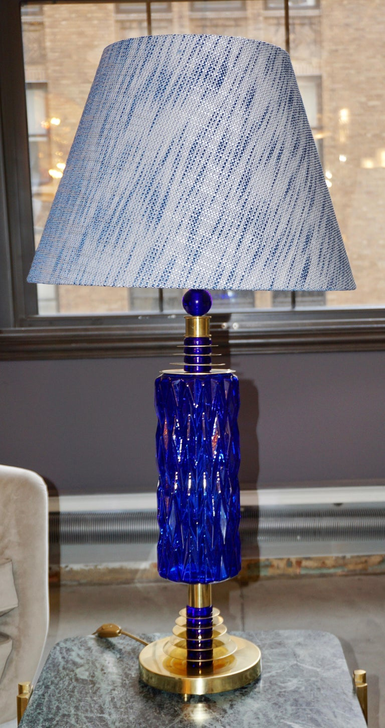 Hand-Crafted Contemporary Italian Pair of Brass and Cobalt Blue Murano Glass Table Lamps For Sale