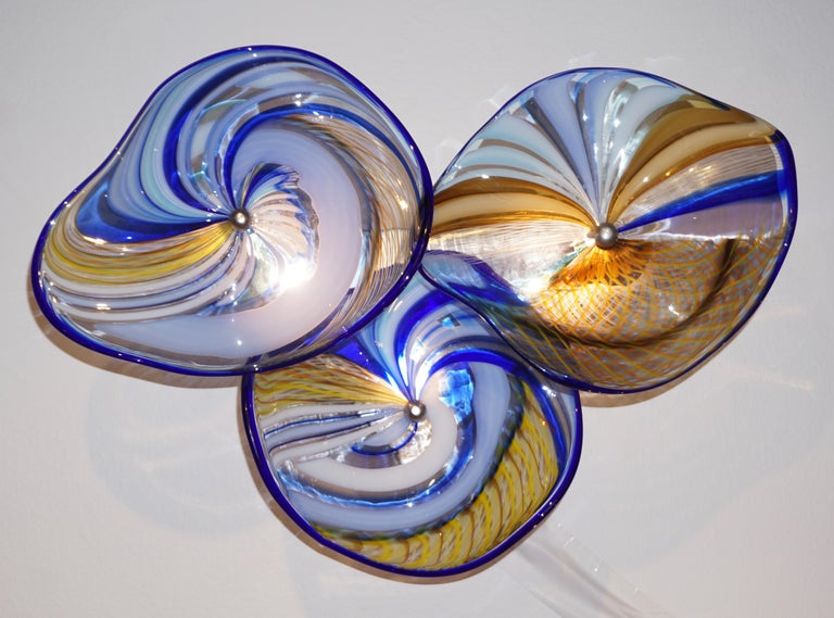 Contemporary Italian Pair of Gold Blue White Yellow Murano Glass Disc Sconces In Excellent Condition For Sale In New York, NY