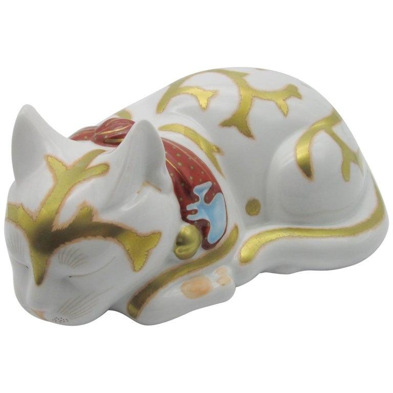 Contemporary Japanese Imari Gilded Porcelain Sleeping Cat  For Sale