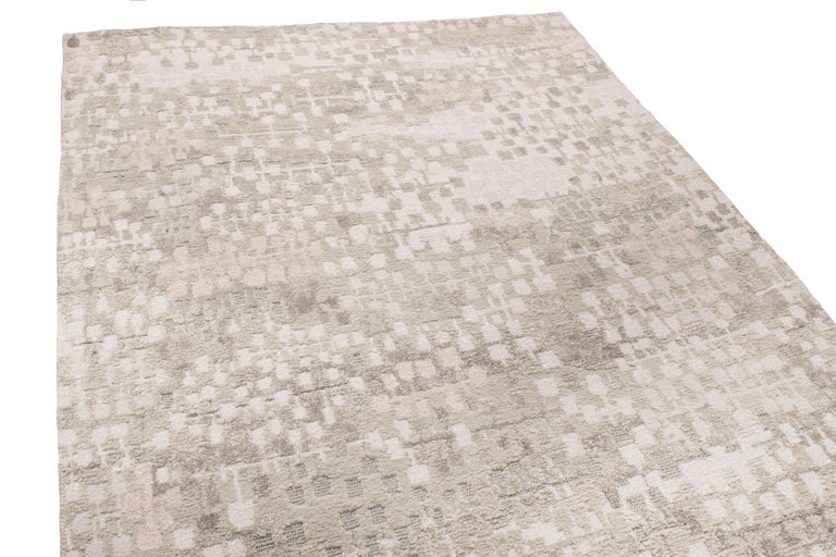 Modern Contemporary Kaleidoscope Gray and Beige Wool Rug For Sale