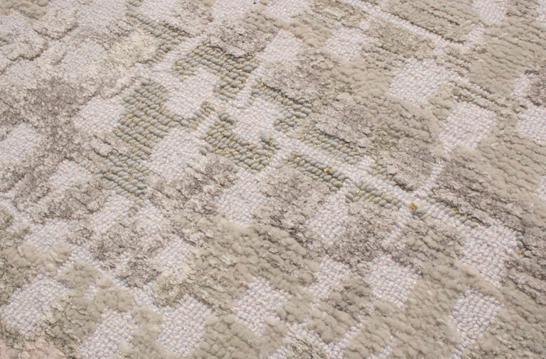 Contemporary Kaleidoscope Gray and Beige Wool Rug For Sale 1