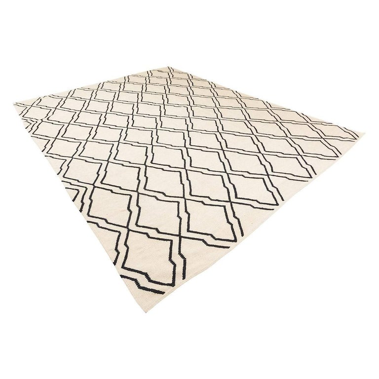 Contemporary Kilim handcrafted in the Craft workshops that the Zigler firm has in Egypt.